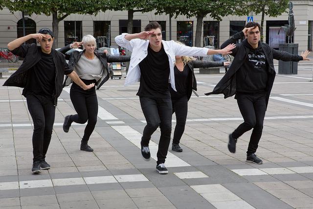 Ulemper ved å danse en yngre mann