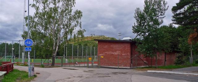 Entrén till Hammarbyhöjdens idrottsplats P1020305