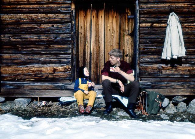 Susanne och jag tar en kaffepaus på Ranvall 1969 008
