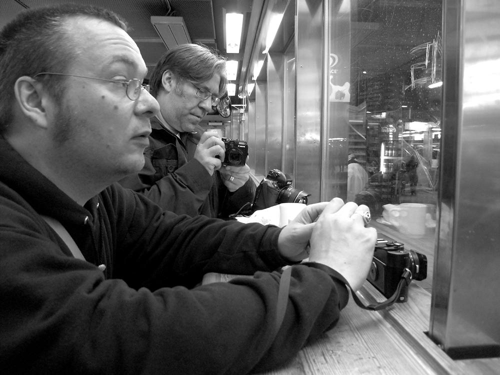 Moderna tar upp kampen med fotografiska