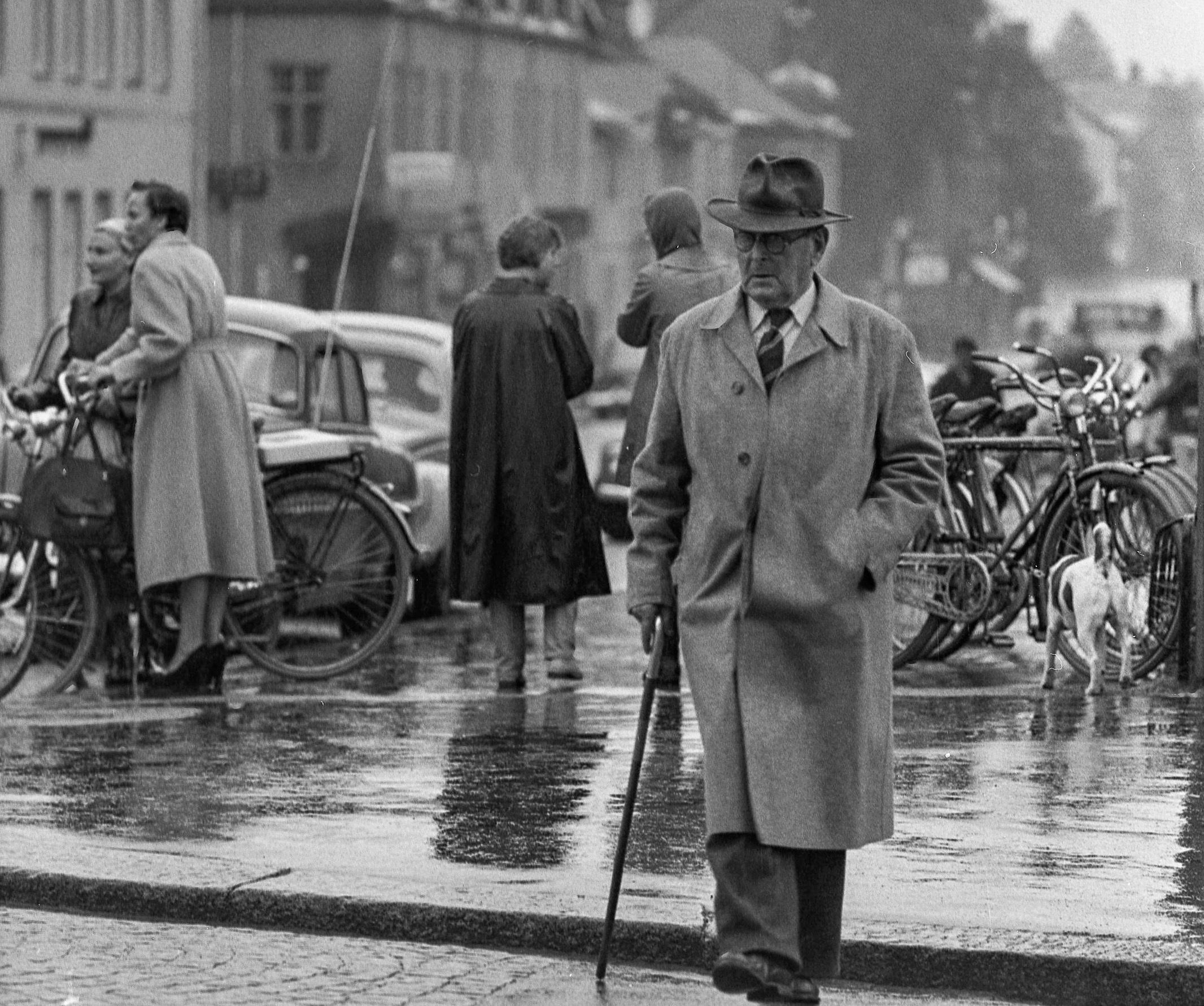ludvika guys Lidl sverige, anderstorpsvägen 22  nyligen fick jag veta att ni har en person som är öppet nazist som anställd i ludvika,  men man måste lära sig att.