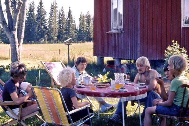 Morgonkaffe på Drabo sommaren 1971 020