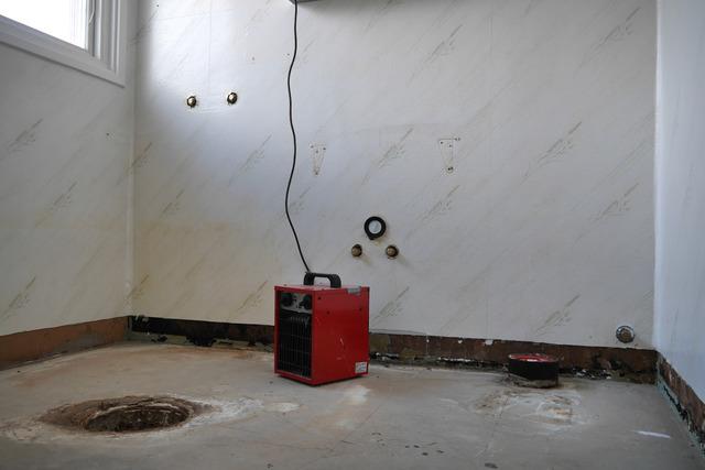 Duschrumet demonterat P1030052