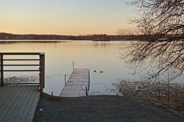 P1040481 Kanotbryggan och Lindesjön