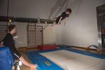 Simhoppsträning på trampolin
