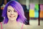 Flickan med lila hår