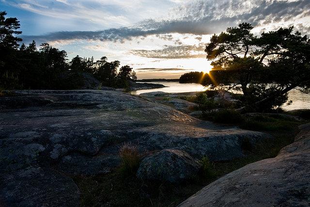 Vackra klippor i kvällssol