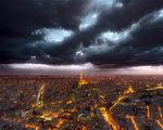 Moln över Paris