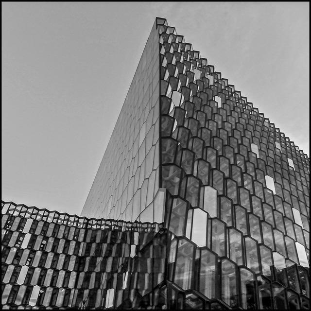 Glasfasad, Harpan-Reykjavik