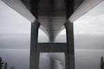 Högakustenbron i regn