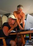 Solan på campingen får hjälp med nya datorn