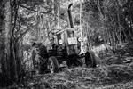 Traktor i skogen