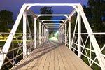 På andra sidan bron
