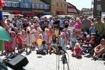 Färgglada sommarbarn på Laholms Stadsfest
