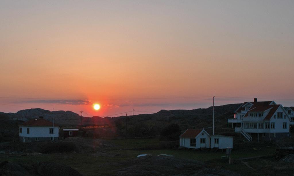 Solnedgång-på-Gullholmen-10-maj-2006