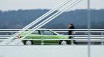 Grön bil på Munksjöbron
