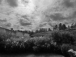 Regntunga-skyar-över-Vallatorp 2009