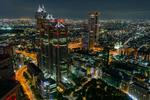 Kväll över Shinjuku (Tokyo).