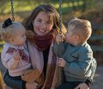 Svärdotter med barnbarn.