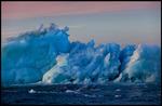Is i havet vid Hinlopen Svalbard