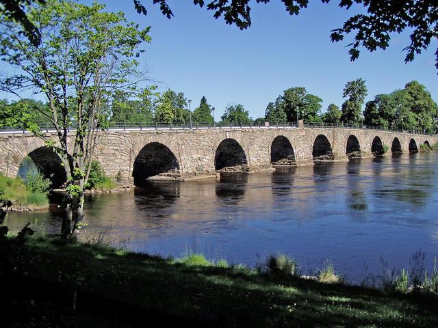 Gammla-stenbron-i-Karlstad 2003
