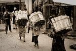 Kirtipurs omgivningar: Vedbärande kvinnor