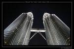 Petronas Twin Towers kväll