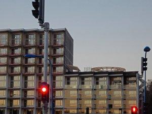 Unum_bygger_bostäder_i_Roslags_Näsby_med_takterass_till_höger_16_2_2019.jpg