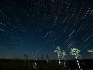 2020-09-17 07_35_13-Vättle Star Trails _ Star trails over Vättlefjäll. 240x 10s … _ Flickr - B...png