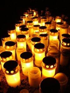 18 allhelgonaljus på oxelösunds kyrkogård.jpg
